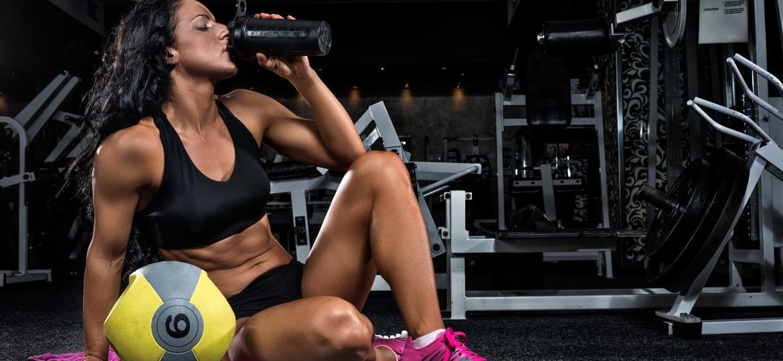 Os suplementos alimentares podem ser usados antes, durante e depois do treino - Getty Images