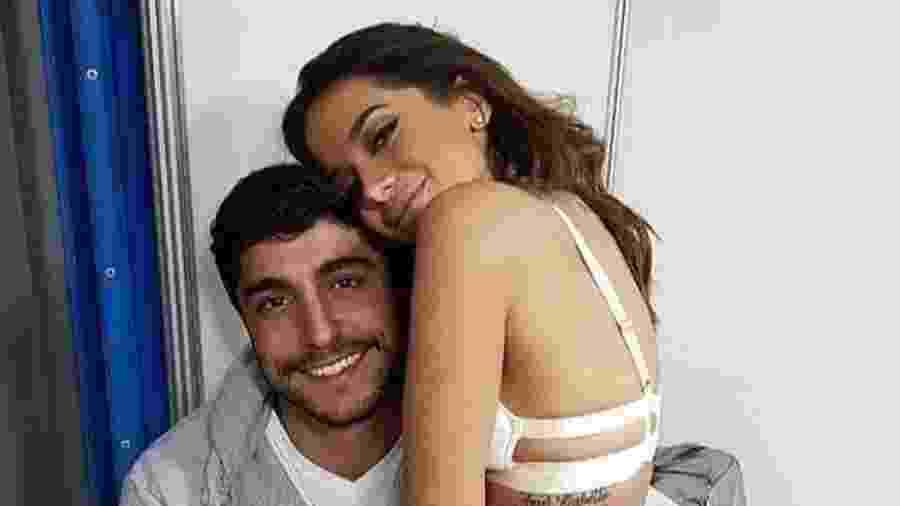 Anitta aparece em foto com o noivo, Thiago Magalhães - Reprodução/Instagram/euleodias