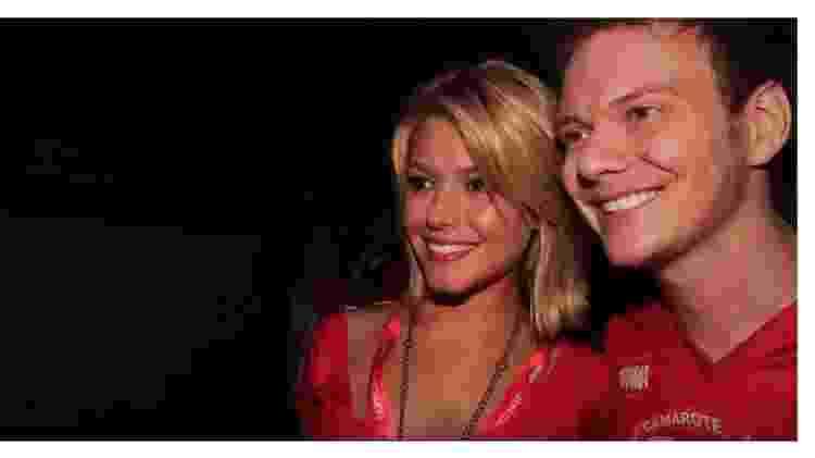 A fatídica foto do encontro dos dois nos bastidores de um camarote na Sapucaí - Reprodução YouTube