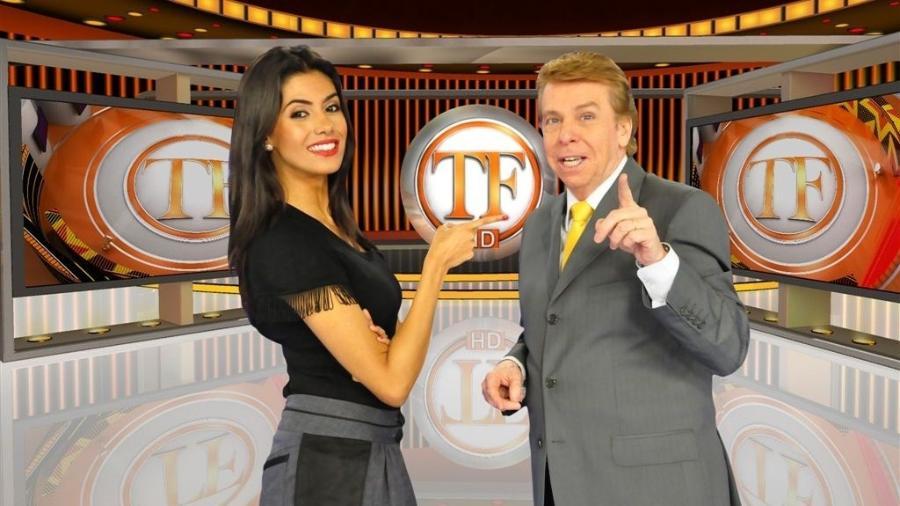 """Flávia Noronha e Nelson Rubens comandam o """"TV Fama"""" - Divulgação"""