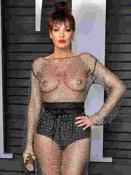 Atriz e cantora albanesa Bleona Qereti escolheu um look ousado para festa pós-Oscar - Dia Dipasupil/Getty Images