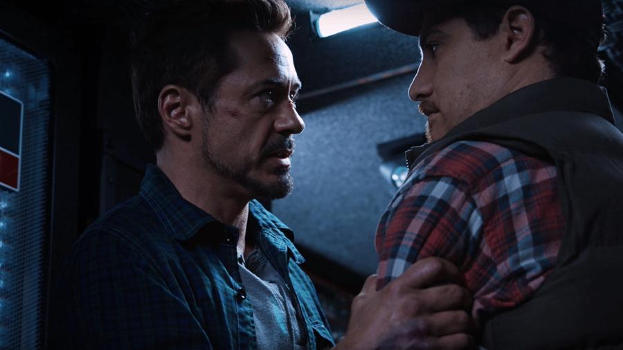 """Tony Stark (Robert Downey Jr.) e Gary (Adam Pally) em cena de """"Homem de Ferro 3"""" - Reprodução"""