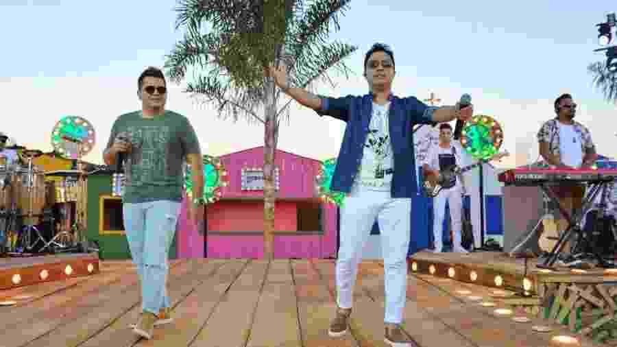 Cleiton e Camargo durante gravação do DVD com releituras de Zezé Di Camargo e Luciano - Rubens Cerqueira e Samuel?? Chaves