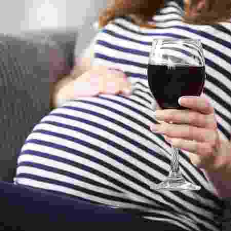 A orientação de médicos é evitar álcool na gestação - iStock