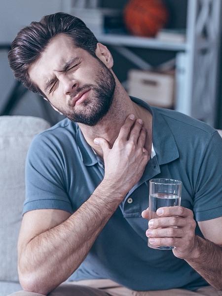 Não é tão comum, mas a amigdalite bacteriana pode evoluir para uma cardiopatia reumática crônica  - iStock