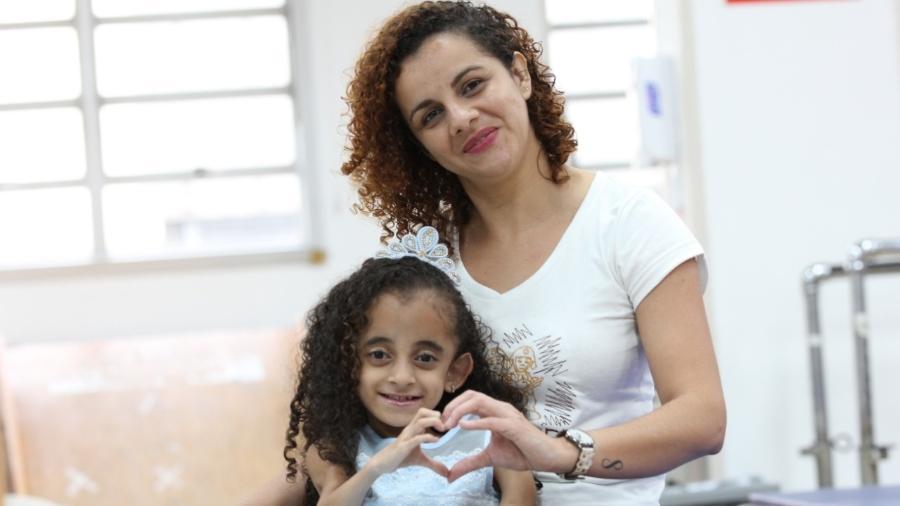 Luara nasceu com uma doença cuja principal característica é a fragilidade dos ossos - Arquivo Pessoal