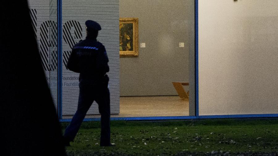 Parede vazia no museu Kunsthal, em Roterdã, onde sete pinturas foram roubadas em 2012 - AFP