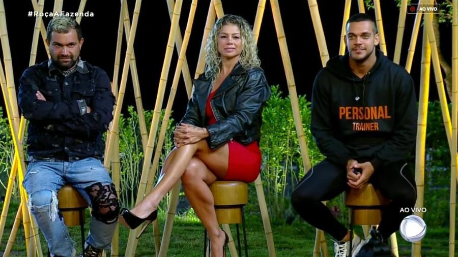 """Evandro Santo, Catia Paganote e Caique Aguiar formam a décima roça de """"A Fazenda 10"""" - Reprodução/RecordTV"""