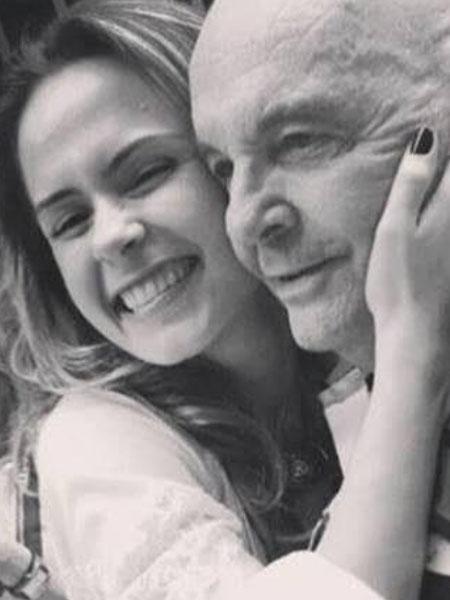 Ana Paula Renault ao lado de seu pai, Gerardo Renault - Reprodução/Instagram
