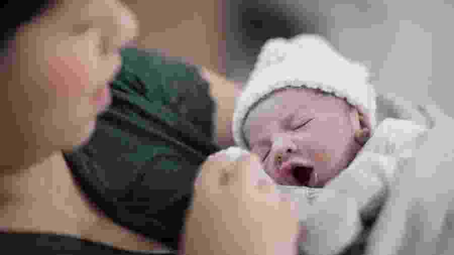 Marília Mendonça posta foto com o primeiro filho - REPRODUÇÃO/UOL