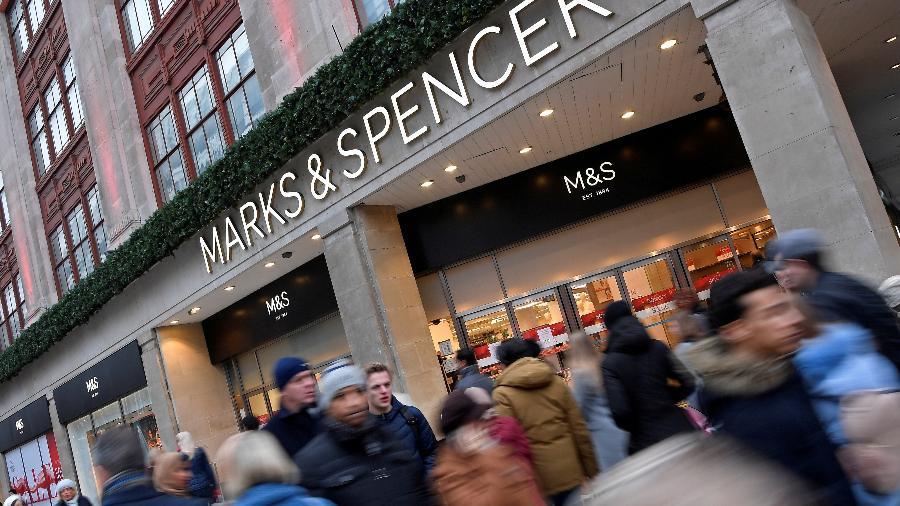 Fachada da loja Marks & Spencer - Toby Melville/Reuters