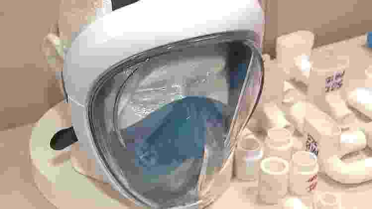 Projeto de máscara de mergulho adaptada criado em Campinas (SP) vem sendo usado para auxiliar no tratamento da Covid-19 - Felipe de Souza/UOL