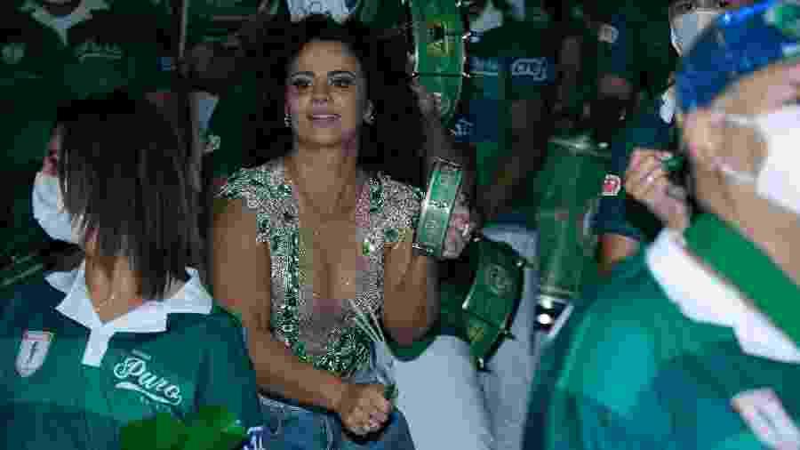 Vivi Araújo cai no samba com novo visual - AMAURI NEHN/ BRAZIL NEWS