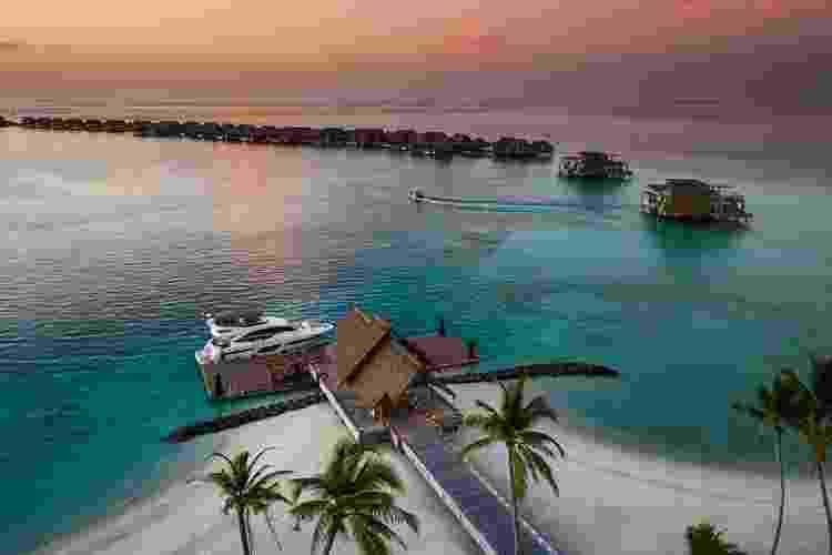 """Serviços do """"Ithaafushi"""" incluem menus personalizados, esportes aquáticos e spa - Divuglação - Divuglação"""