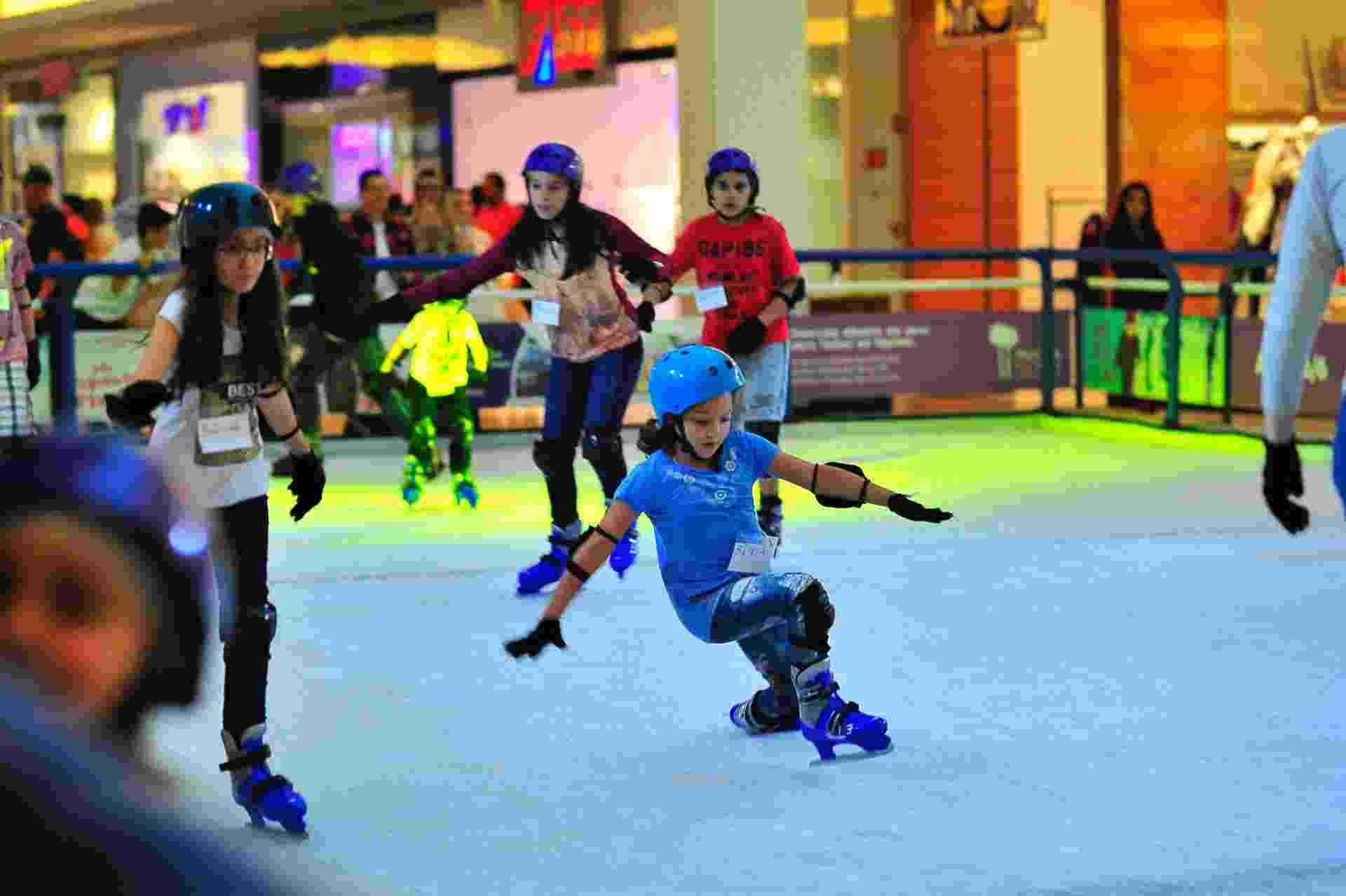 Pista de patinação no gelo no Mooca Plaza Shopping - Divulgação