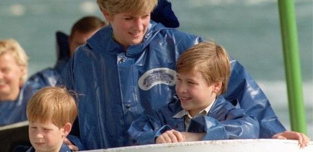 Princesa Diana com os filhos William (dir.) e Harry em 1991 - Reprodução/BBC