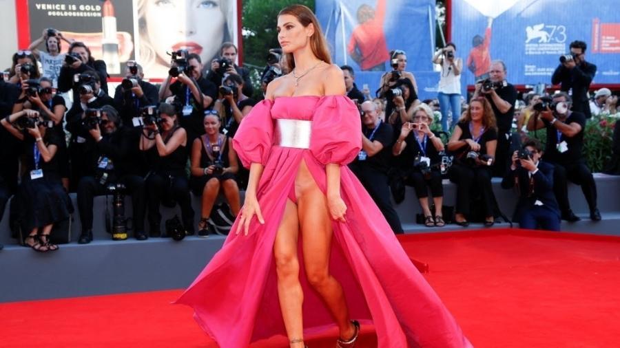 A modelo brasileira Dayane Mello faz sucesso no Big Brother da Itália - Alessandro Bianchi/Reuters