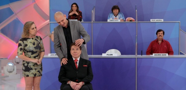 Silvio Santos é hipnotizado por Rafael Baltresca em seu programa - Lourival Ribeiro/SBT/Divulgação