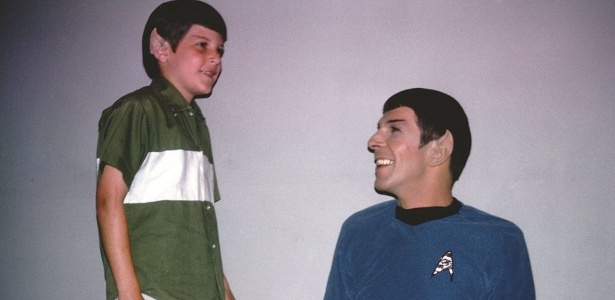 Adam Nimoy com o pai, o ator Leonard Nimoy, que interpretava Spock na série ?Star Trek?, em cena do documentário - Divulgação