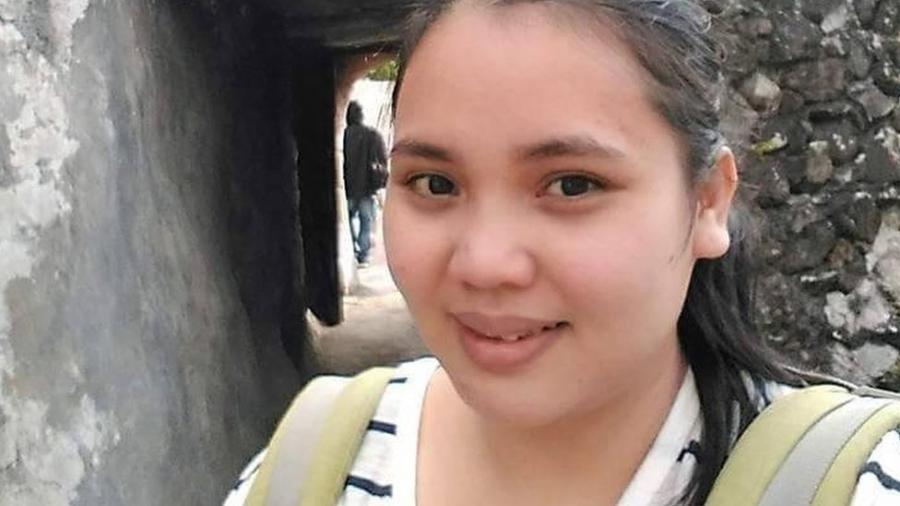 Risrona Simorangkir se infiltrou em um grupo de pedofilia no Facebook - Risrona Simorangkir