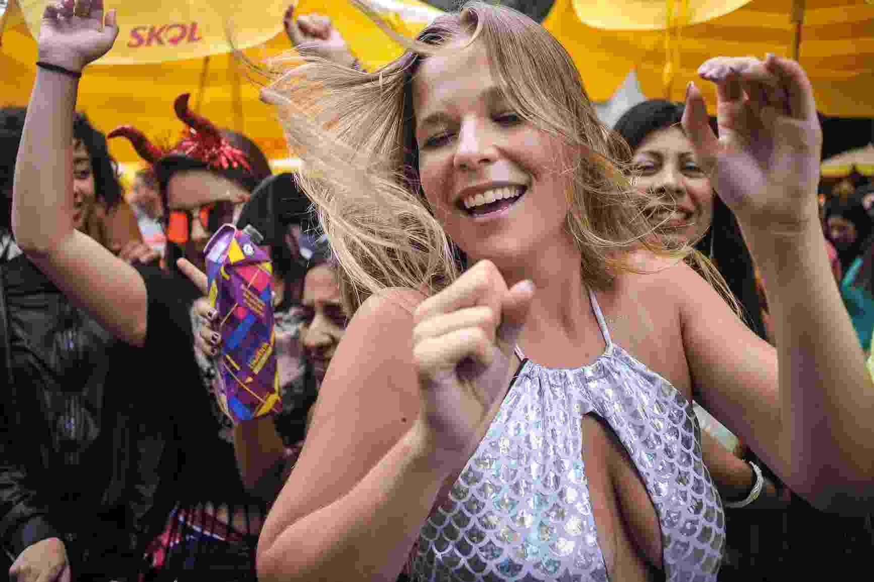 Bloco SP Beats, de música eletrônica, agitou a Praça da República, em São Paulo, na terça-feira de Carnaval - Reinaldo Canato/UOL