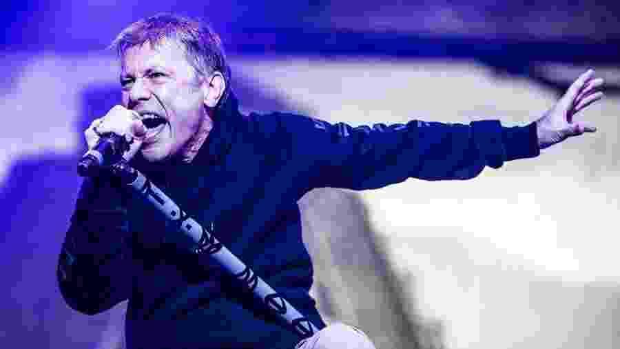 Bruce Dickinson se apresenta com o Iron Maiden para público de 41 mil pessoas no Allianz Parque, em São Paulo, em 2016 - Lucas Lima/UOL