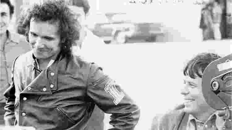 O cineasta Roberto Farias em gravação com Roberto Carlos em 1970 - Reprodução - Reprodução