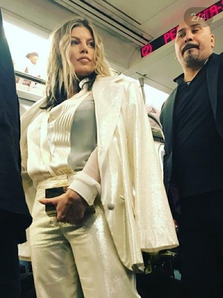 A cantora Fergie usa metrô nos Estados Unidos - Reprodução