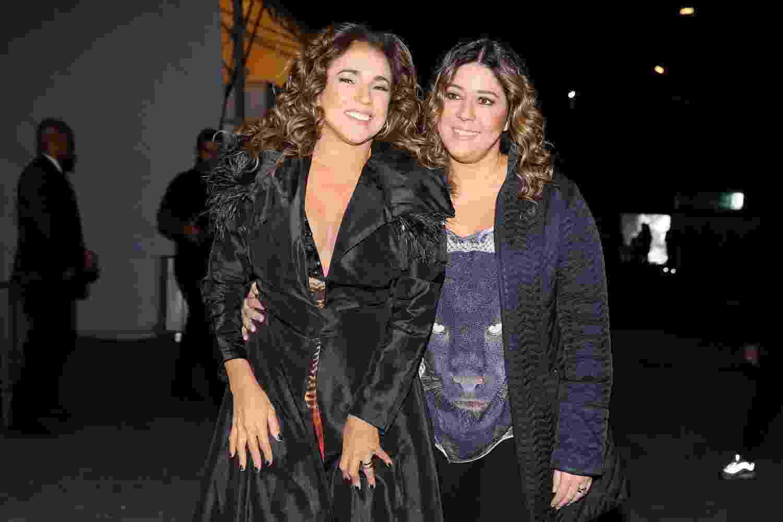Daniela Mercury com a sua esposa, Malu Verçosa, nos bastidores do Milkshake Festival - Manuela Scarpa/Brazil News
