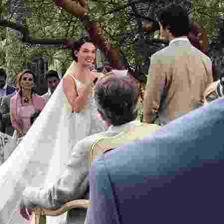 Isis Valverde diz sim para o noivo, André Resende - Reprodução/Instagram