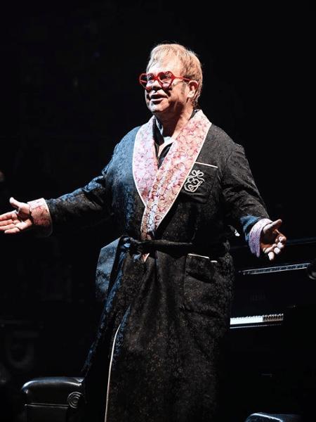 Elton John veste Gucci em sua turnê de despedida - Reprodução/Instagram