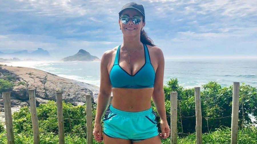 Viviane Araújo exibe corpo mais sequinho durante exercício ao ar livre - Reprodução/Instagram