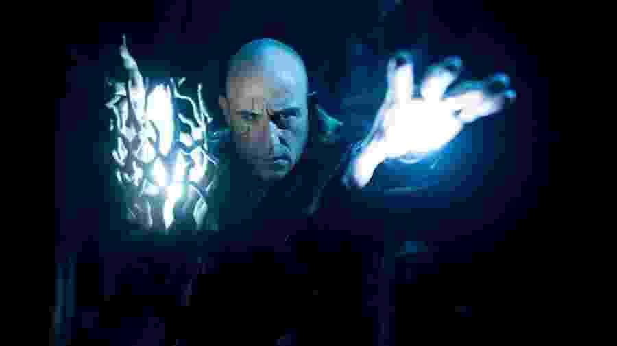 """Mark Strong como o vilão Dr. Sivana em """"Shazam!"""" - Divulgação"""