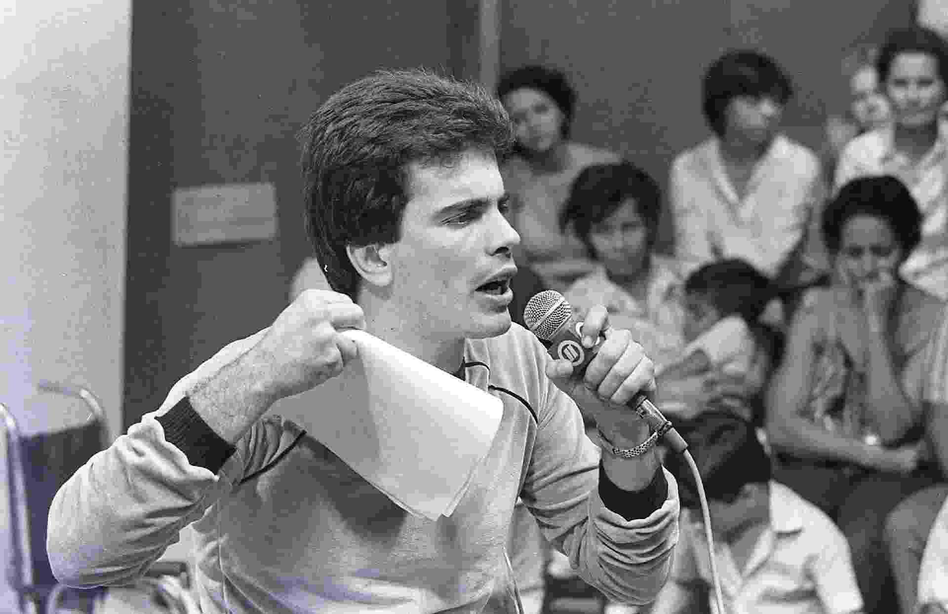 """Wagner Montes no programa """"O Povo na TV"""", no SBT - Erasmo Dias"""