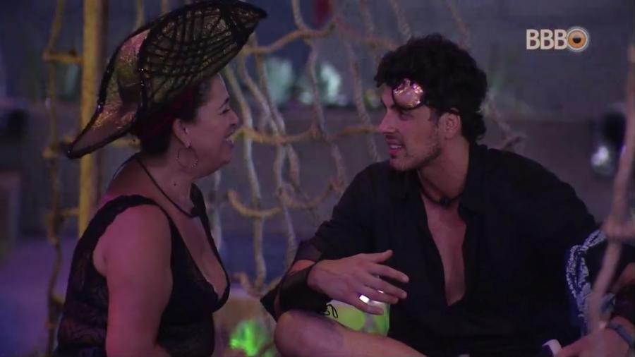 Maycon e Tereza conversam sobre paredão durante festa - Reprodução/TvGlobo