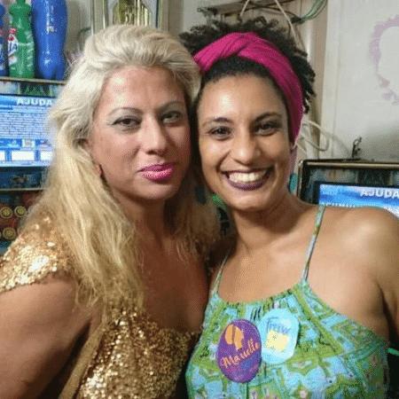 Indianara Siqueira em foto com Marielle - Reprodução/Facebook