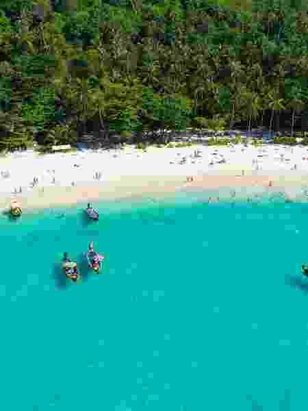 Praia na Ilha de Phuket, na Tailândia - Getty Images/iStockphoto - Getty Images/iStockphoto