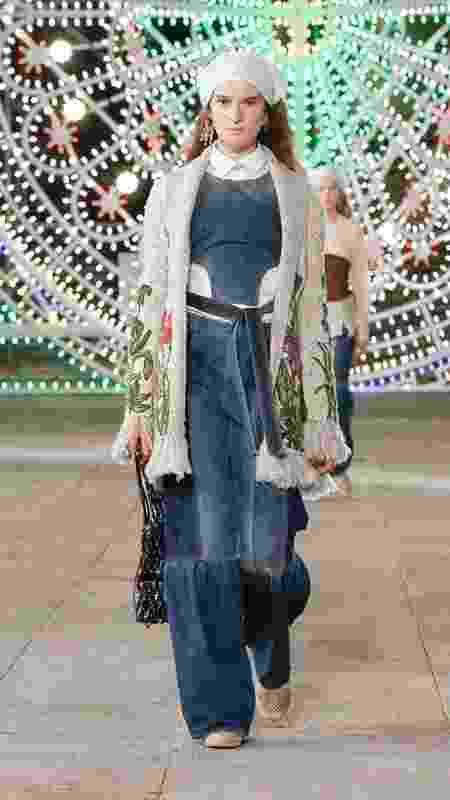 Calça jeans com retalhos - Reprodução/Dior - Reprodução/Dior