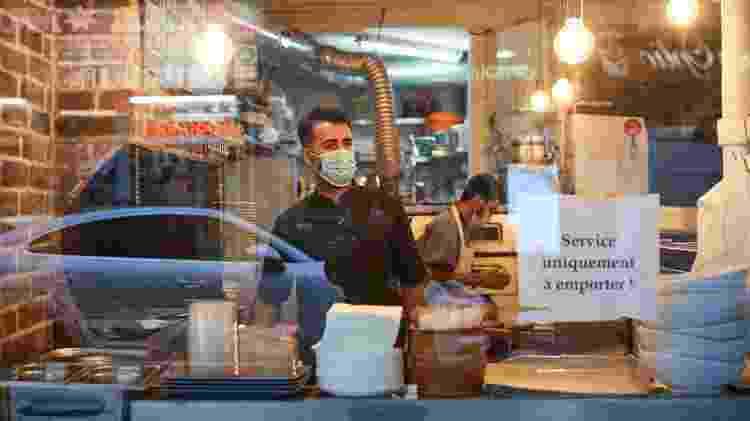 Restaurante na França com restrições impostas em consequência da covid-19 - Kiran Ridley/Getty Images - Kiran Ridley/Getty Images