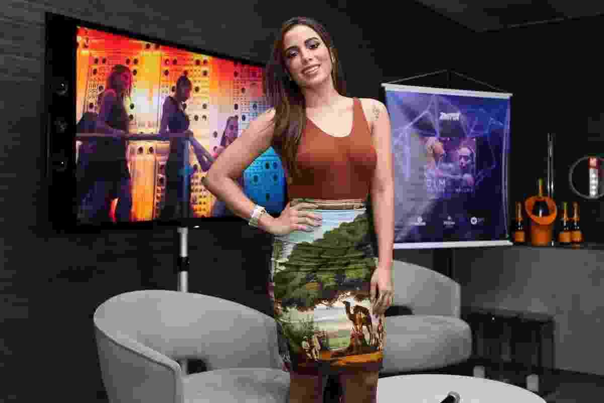"""27.jul.2016 - Anitta lança o clipe de """"Sim ou Não"""" em um hotel no Rio de Janeiro. A música tem a participação do cantor colombiano Maluma - Manuela Scarpa/Brazil News"""