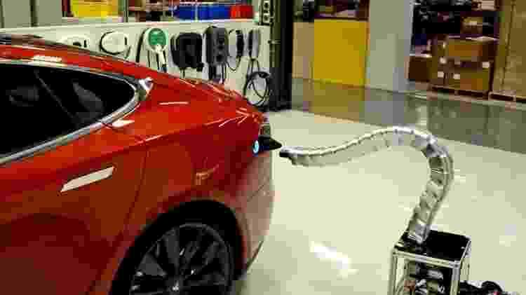 Robô de recarga automática Tesla - Divulgação - Divulgação