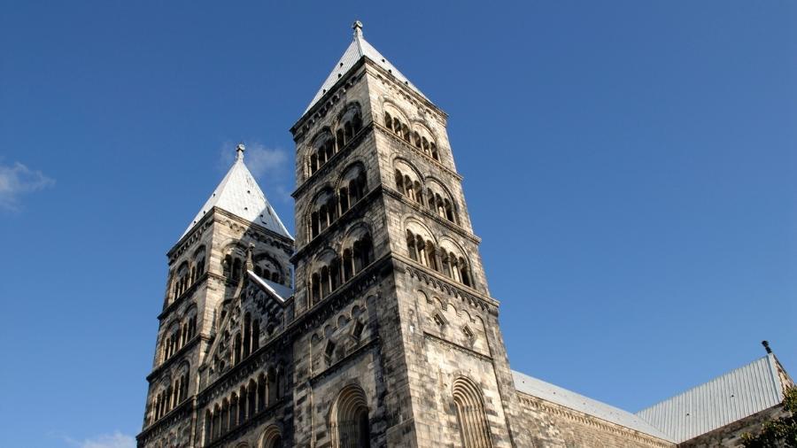 A Igreja da Suécia, que é luterana, disse que vai abandonar o uso do pronome masculino para se referir a Deus - Getty Images