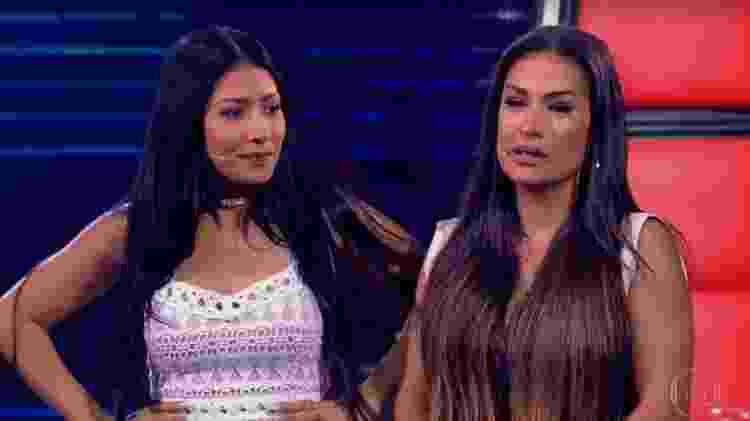 """Simone e Simaria se emocionam durante o """"The Voice Kids""""  - Reprodução / TV Globo - Reprodução / TV Globo"""