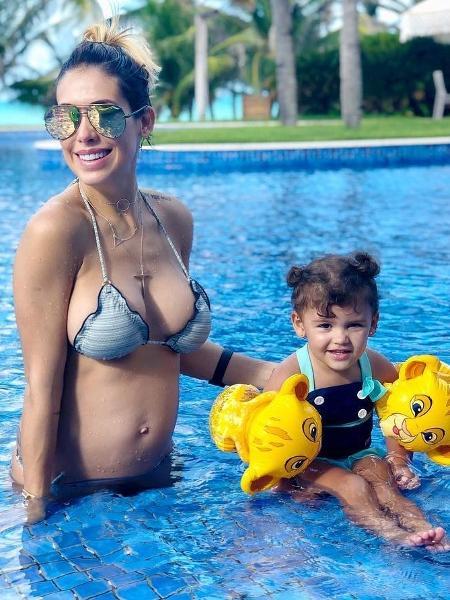 Bella Falconi e a filha, Victoria - Reprodução/Instagram