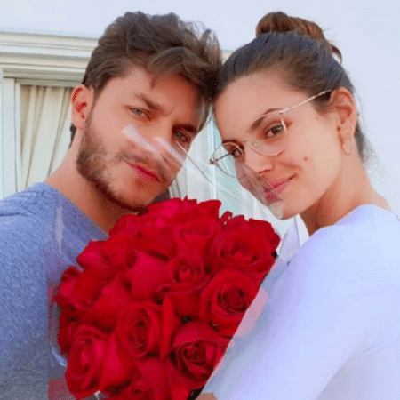 Klebber Toledo e Camila Queiroz se casam em agosto em praia paradisíaca - Reprodução/Instagram