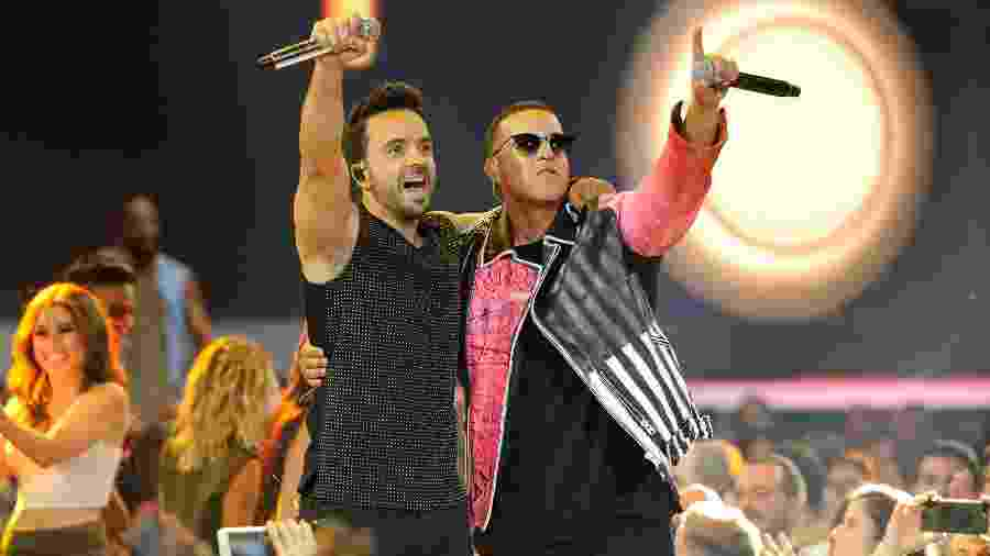 "Luis Fonsi e Daddy Yankee: ""Despacito"" tem mais de 5 bilhões de views no YouTube - Sergi Alexander/Getty Images"