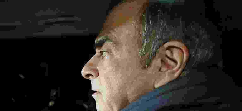 Carlos Ghosn deixa escritório dos advogados no dia anterior à nova prisão - Kyodo/via REUTERS