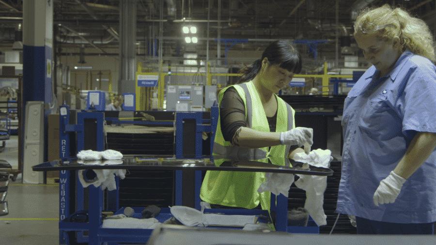 Cena do documentário American Factory - Netflix