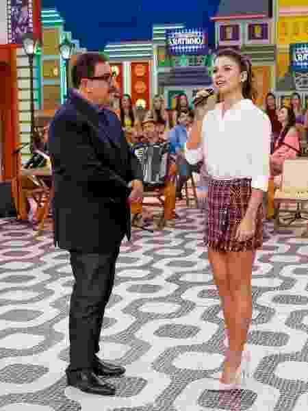 """Paula Fernandes será uma das atrações de hoje no """"Boteco do Ratinho"""" - Lourival Ribeiro/ SBT"""