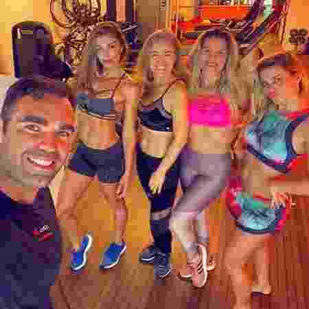 Grazi, Angélica, Ingrid Guimarães e Carolina Dieckmann posam juntas após treino - Reprodução/Instagram